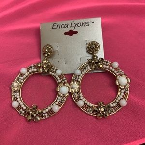 GOLD STONE AND FLOWER CIRCLE EARRINGS ERICA LYONS